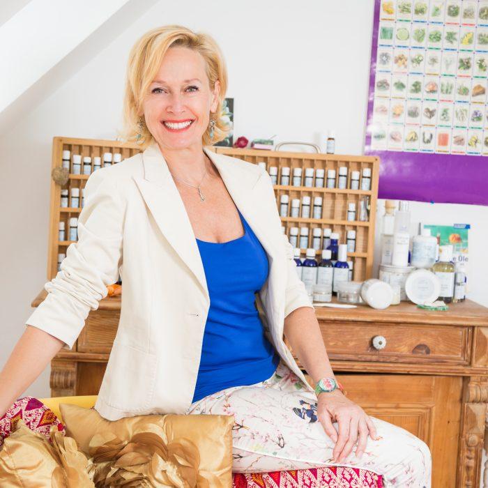 Tina Sumser<br><small>Aromaexpertin, Reisebegleiterin</small>