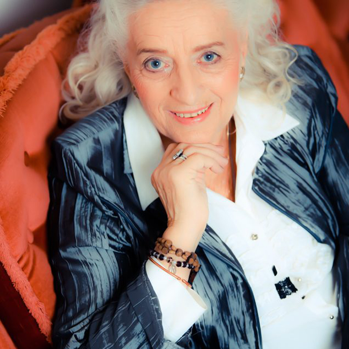Elfriede Jahn <br><small>Lebensberaterin, spirituelle Lehrerin, Buchautorin</small>